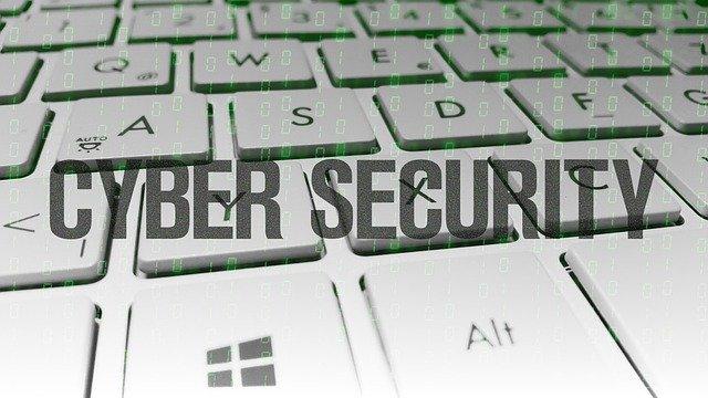 jak chronić własność intelektualną w internecie